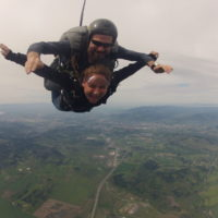tandem skydiving pair in freefall in Creswell Oregon